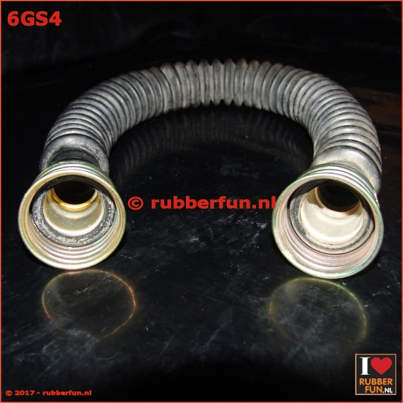 06GS4 - gas mask hose - 2x female connector