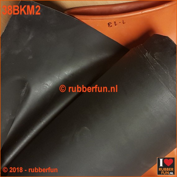 38BKM2 - Rubber sheeting - black - mack. rubber - 90 and 120 cm wide - 0.50 mm thick.