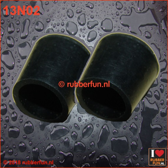 13N02 - Nipple trainers - medium