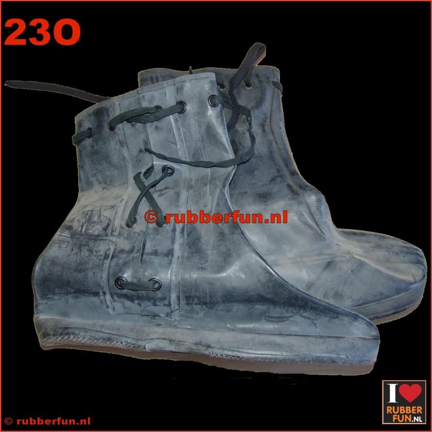 23O - overshoes