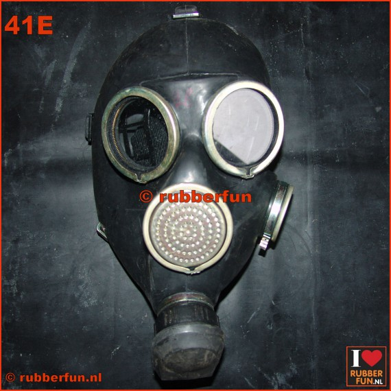 GP7 gas mask