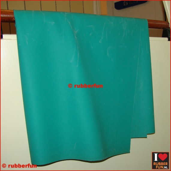 Rubber sheeting - medical green - mack. rubber - 90 and 120 cm wide - 0.50 mm thick.